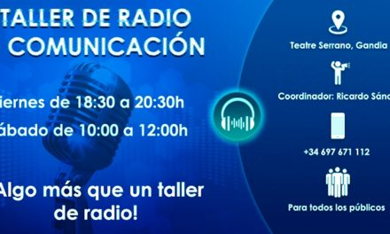 Ensayando en el Taller de Radio y Comunicación, aqui Paco Rubio