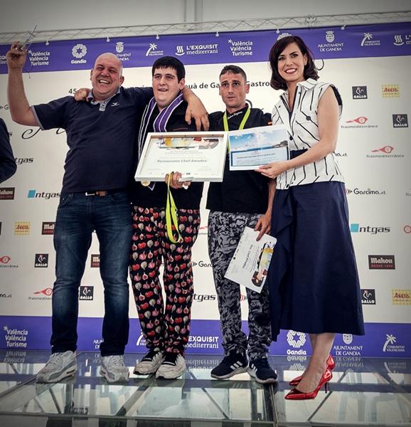 Chef Amadeo guanya la 45 edició del Concurs Internacional de Fideuà i Gastronomia