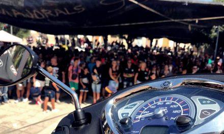 Más de 1.000 personas se congregan en la  XIII Matinal Motera de Palmera