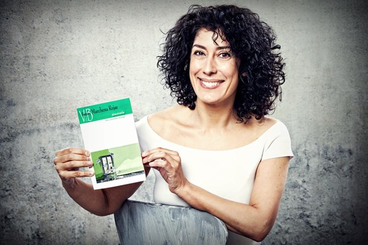"Sandra Marchena publica la obra teatral ""SINCRONÍA (Una comedia amarga)"""